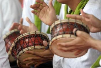 Musik di Mata Alwi Shihab