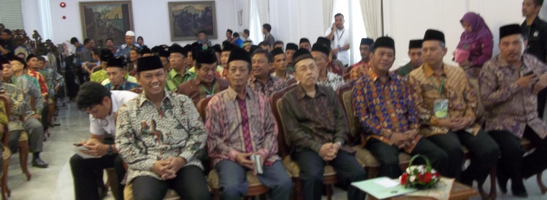 Direktur Pemberdayaan Waqaf Kemenag RI,Drs. H. Hamka, M.Ag (paling kiri) , saat di Istana Wapres, Pembukakan Lokakarya Waqaf DMI.