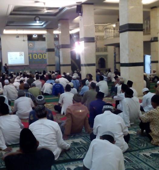 Sumber: www.dmi.or.id/ Masjid Al-Mujahidin, Tangerang Selatan.