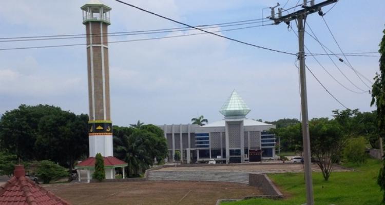 Sumber: www.lampost.co / Masjid Agung Kubah Intan, Kalianda, Lampung Selatan