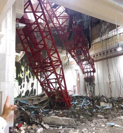 Sumber: Alarabiya / Rubuhnya Crane di Masjidil Haram, Makkah, Jum'at (11/9) petang.