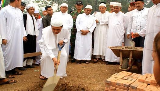 Sumber: www.rohultoday.com / Bupati Rokan Hulu Letakkan Batu Pertama Masjid Nurul Anwar