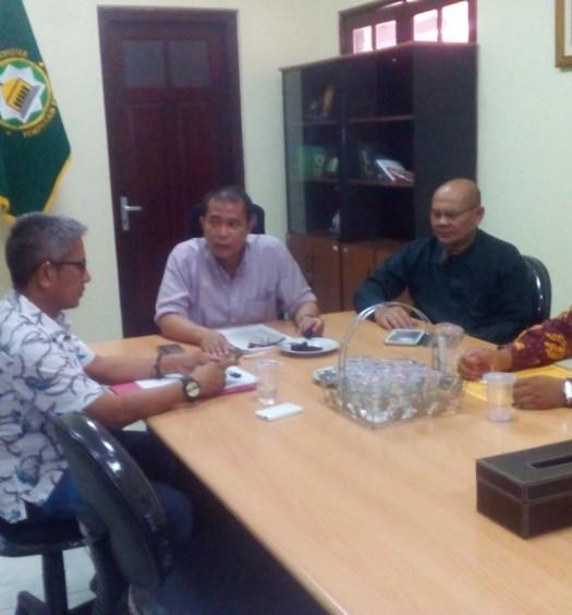 Sumber: www.dmi.or.id / Kunjungan PW DMI Provinsi Riau ke PP DMI untuk membahas mobil akustik masjid, Senin (26/10)