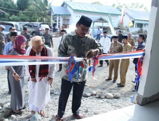 Sumber:www.mediasulbar.com / Peresmian Masjid oleh Bupati Mamuju, Drs. H. Suhardi Duka, M.M.,