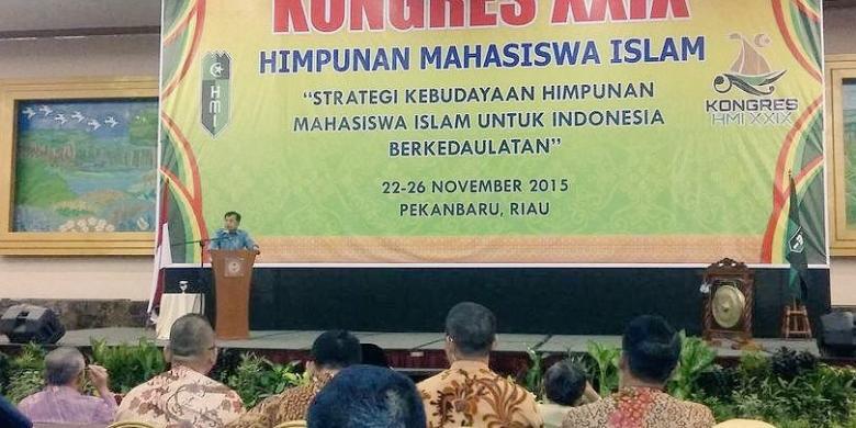 Sumber: http://regional.kompas.com/  Pembukaan Kongres XXIX HMI oleh Wapres DR. H. Muhamad Jusuf Kalla