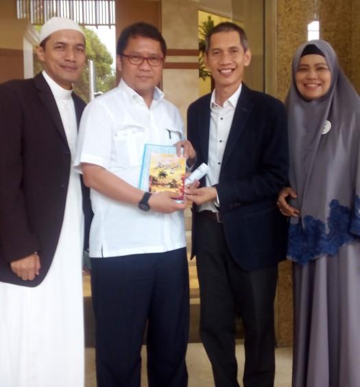 Sumber: www.dmi.or.id / Foto Bersama di sela-sela Acara Konvensi Pecinta Allah (KPA) Tahun 2015, Sabtu (14/11).