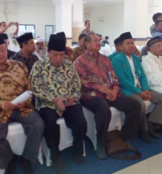 Sumber: www.dmi.or.id / Sekjen PP DMMI, Drs. H. Imam Addaruqutni, M.A., kedua dari kiri.