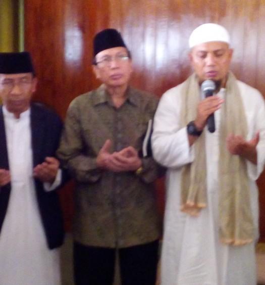 Sumber: www.dmi.or.id / Drs. KH. Masdar Farid Mas'udi, M.Si., di acara Peluncuran Program Eco-Masjid, Jumat (19/2) di Masjid Az-Zikra
