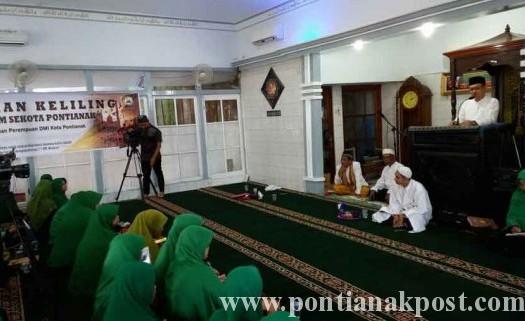 Sumber: www.pontianakpost.com  Wakil Wali Kota Pontianak Membuka Pengajian Keliling DMI di Masjid Nurul Jannah, Jumat (18/3).
