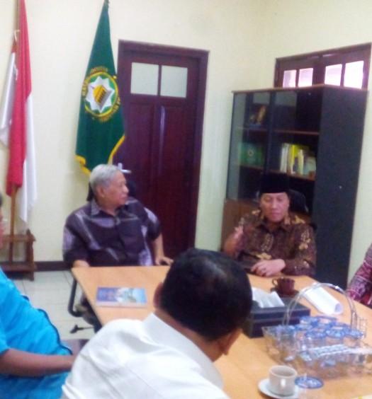 Sumber: www.dmi.or.id / Rapat PP DMI bersama Prof. Dr. H. Dawam Rahardjo, Jumat (26/2)