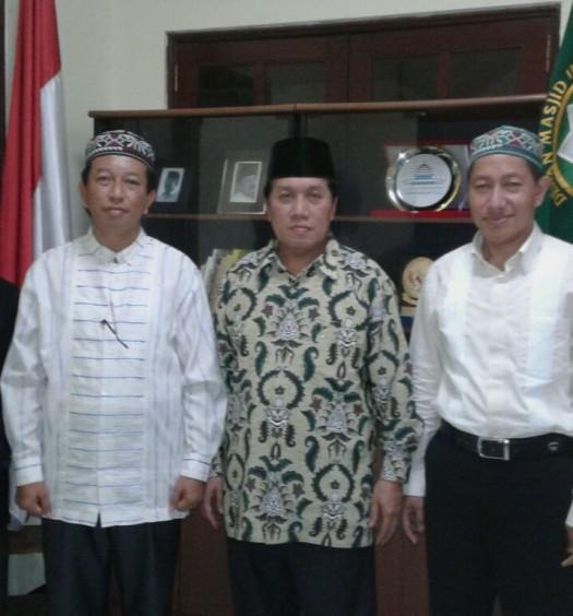 Sumber: www.dmi.or.id  Silaturrahim PW DMI Sumsel dengan Sekjen PP DMI pada Jumat (28/4) di Sekretariat PP DMI, Jakarta.  Tampak Ketua PW DMI Sumsel, Dr. Ki Agus (Kgs) H. Bukhori, M.Hum., (kanan) dan Sekjen PP DMI, Drs. h. Imam Addaruquthni, M.A.