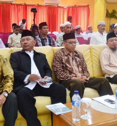 Sumber: https://infofakfak.com  /  Kegiatan Pelatihan Menejemen Kemasjidan dan Dakwah bersama Dr. Samiun Jazuli (kanan) dari Jakarta