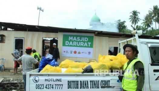 DMI Bangun 100 Masjid Semi Permanen Di Sulteng