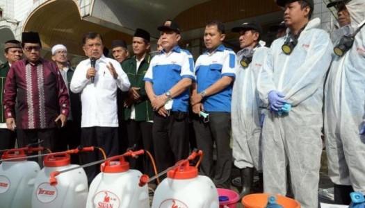 Gerakan Semprot Disinfektan, DMI: Jangan Lelah Membersihkan 10.000 Masjid