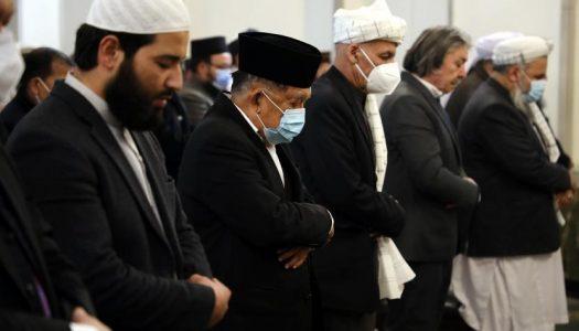 Momen JK Sholat Jumat Bersama Presiden Afghanistan